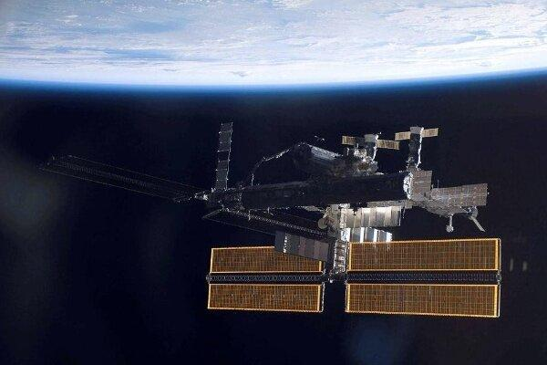 روسیه برای پیاده روی فضایی جهانگرد به فضا می برد